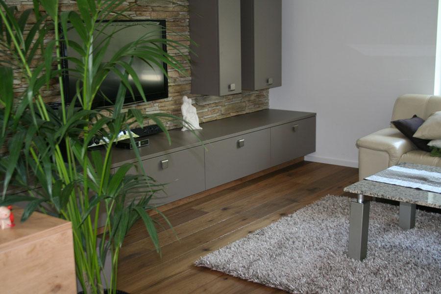 montageservice holzfachhandel pre nitz norbert landhausdiele eiche astig ger uchert. Black Bedroom Furniture Sets. Home Design Ideas